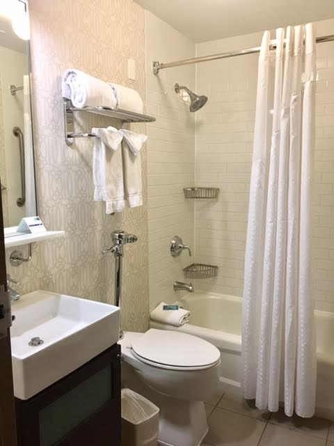 Hotel Cass Bathroom