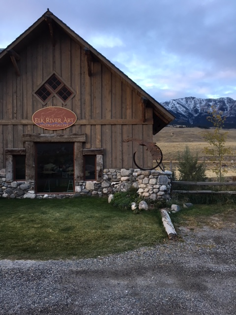 Elk River River Art Studio And Lodge
