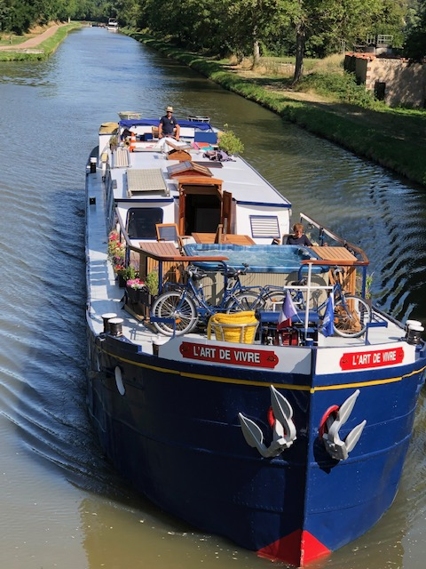 L'Art de Vivre Barge Through Burgundy